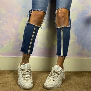 Reworked zipper jeans